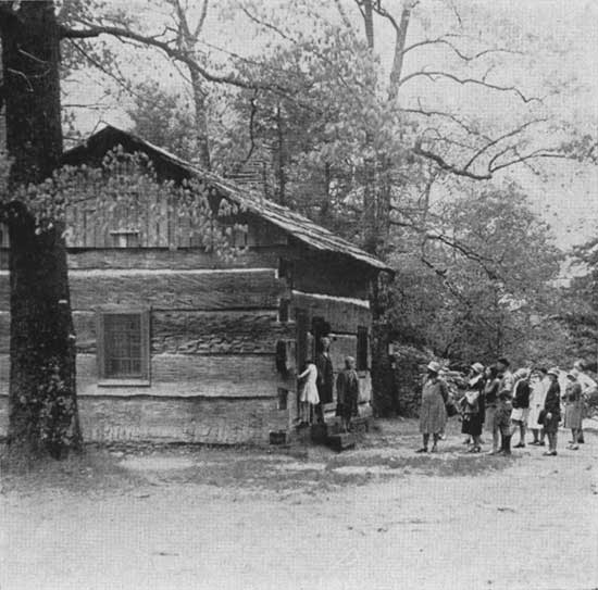 historic photo of Lieber Cabin at Turkey Run State Park